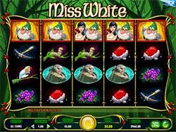 Play Miss White Slot Machine